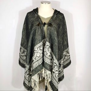 Boot Barn Grey Western Poncho size One Size